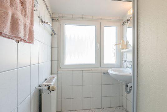 Bad im Appartment Norderoog von Meyenburg & Gerds Höft auf Juist