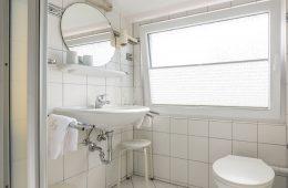Bad im Appartment Süderoog von Meyenburg & Gerds Höft auf Juist