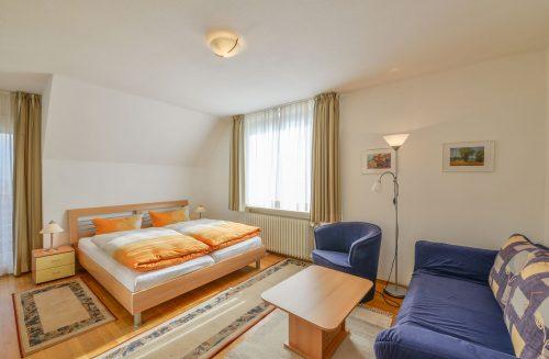 Doppelbett im Appartment Wattblick vom Meyenburg & Gerds Höft