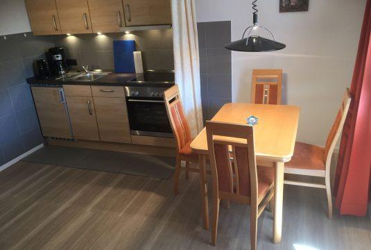 Ess & Kochbereich im Appartment Düenenblick - Meyenburg